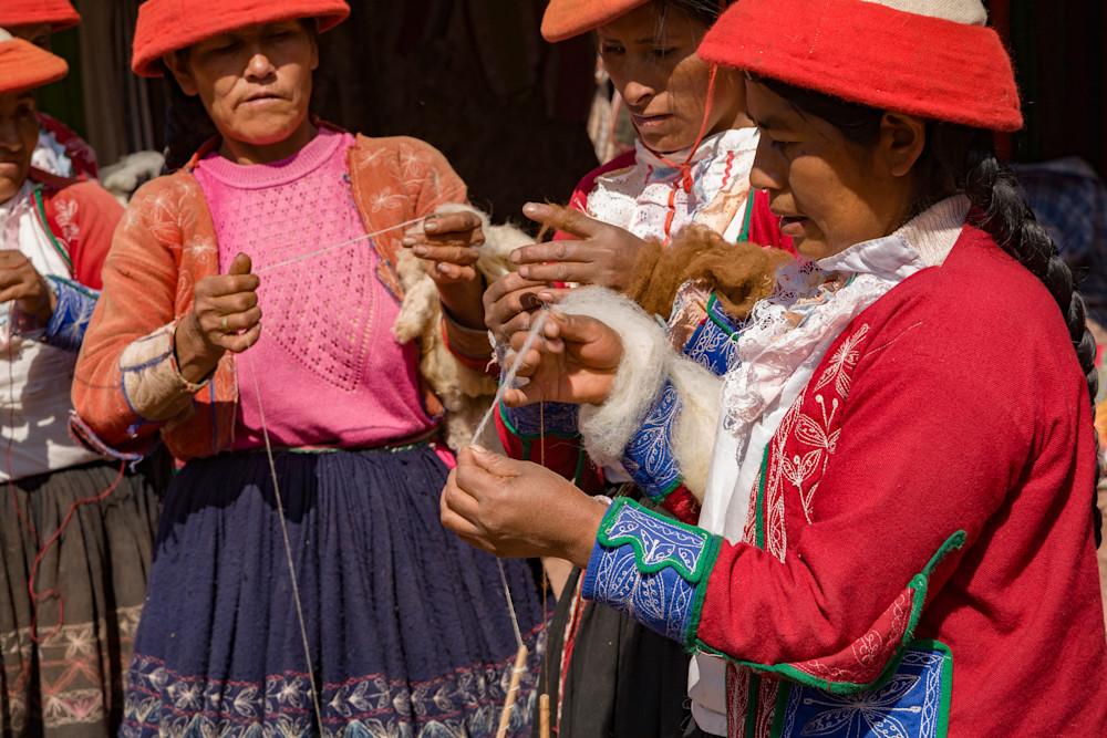 Peruvian craftswomen