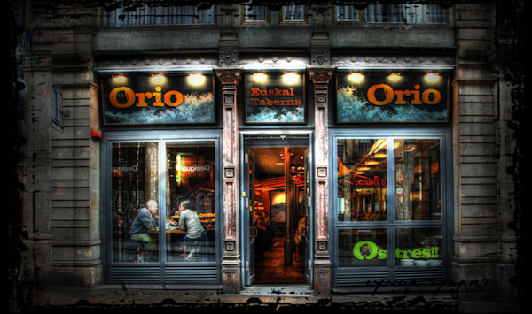 Lynda Tygart Barcelona Orio Pub Spain Europe – Fine Art Photographs Prints on Canvas, Paper, Metal & More.