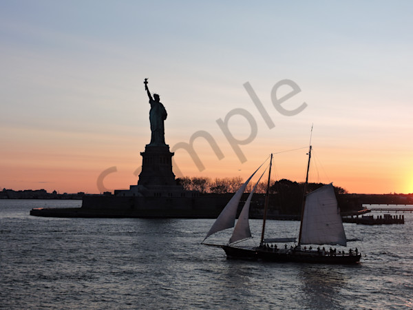 Come Sail With Me, Oh Lady Liberty