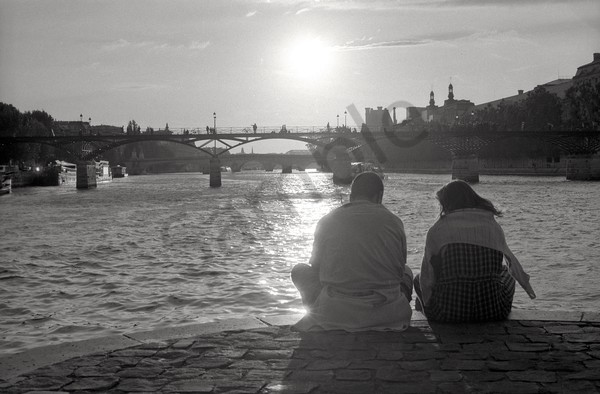 River Seine, couple, sunset