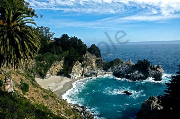 Pacific Coast Art | BlackRock Medium LLC.