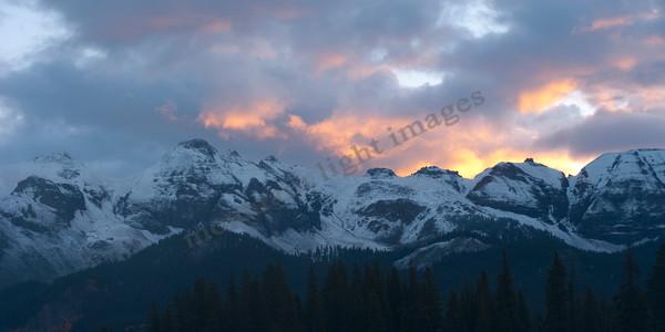 mountain light images sunrise fall lizard head pass snow moutains