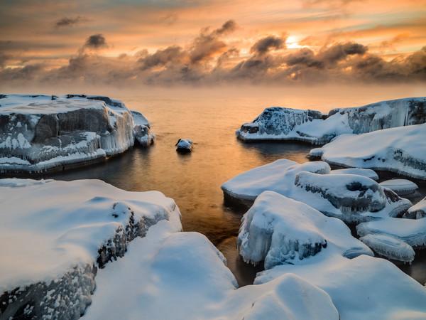 Frigid captured along Lake Superior