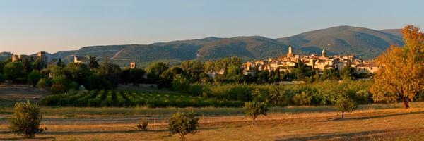 Lourmarin Village and Castle - Lourmarin - France
