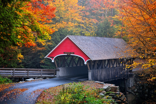 Beautiful New England covered bridge fine art photography prints/Thomas Schoeller photography