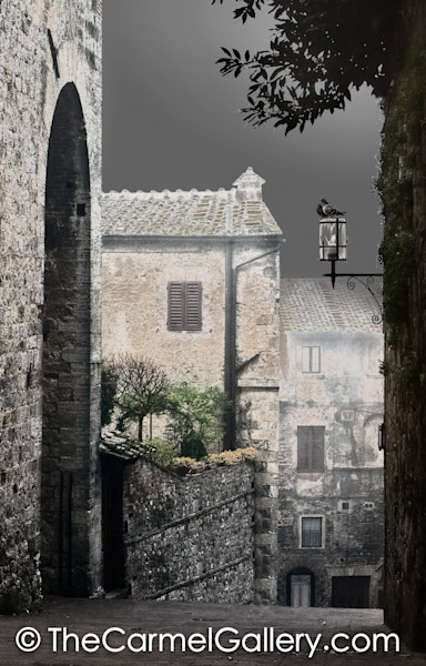 Quiet Streets of San Gigminano BW