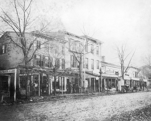 Merchants on White Street