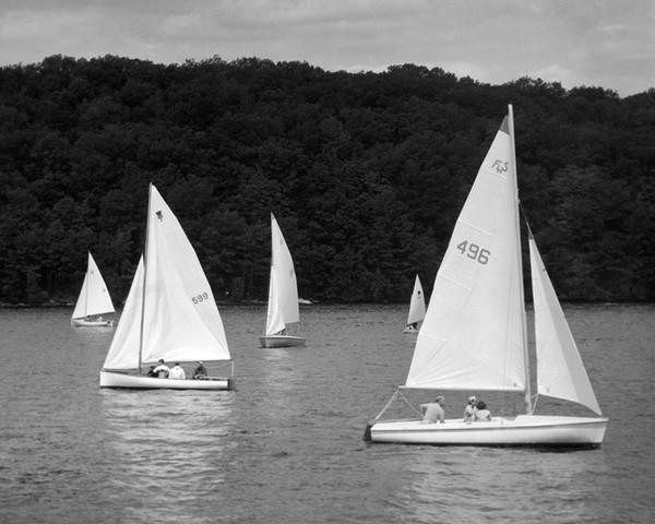Sailing Lake Candlewood