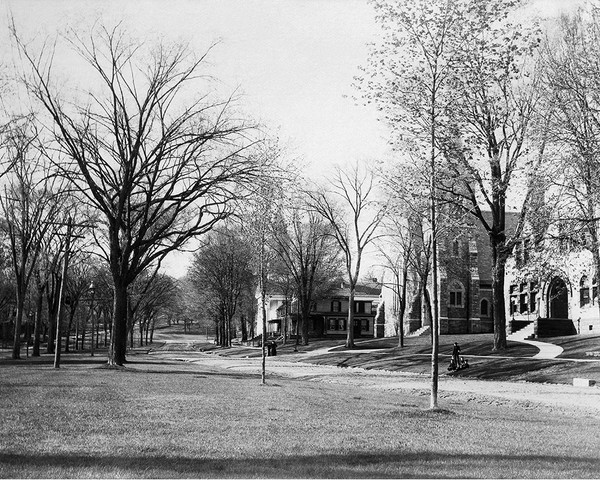 Looking North On The Green In New Milford