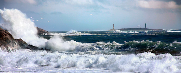 Lighthouse Twinlights Thatchers Island Big Waves Bass Rocks Panorama