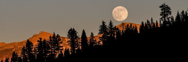 Alpenglow Super Moon