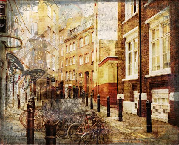 street-in-covent-garden-london