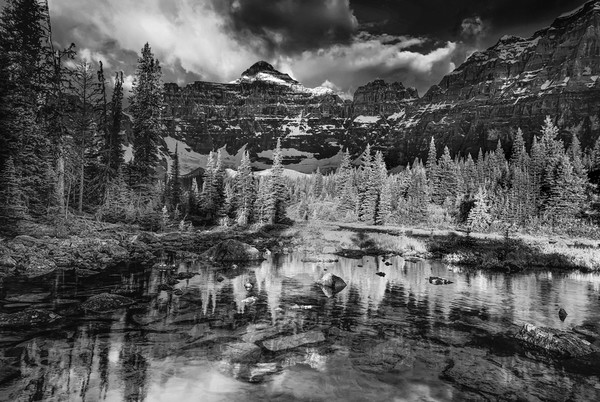 Landscape photographs featuring the Valleys of the Canadian Rockies.Fine Art prints on paper or canvas from Gita Photos.