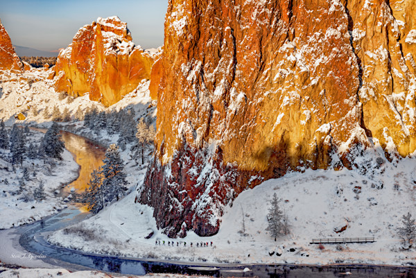 Smith Rock State Park Group Hike (141273LSPND8-P) Photograph for Sale as Fine Art Print