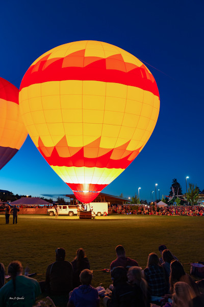 Balloon Crowd Glow (161496LSND8) Photograph for Sale as Commercial Product or Digital Licensing Only