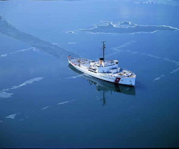 Icebreaker-Mackinaw