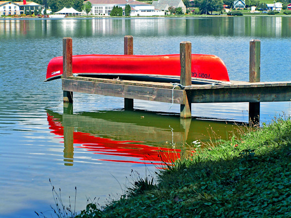 Red Canoe at Lake Junealuska