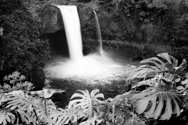 Rainbow Falls near Hilo, Hawaii