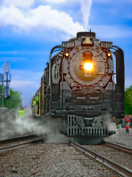 Union Pacific 844 Approaching Station|Wall Decor fleblanc