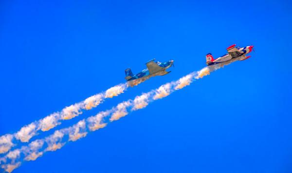 Airshow Aerobatics Smoke Aircraft Decor|Wall Decor fleblanc
