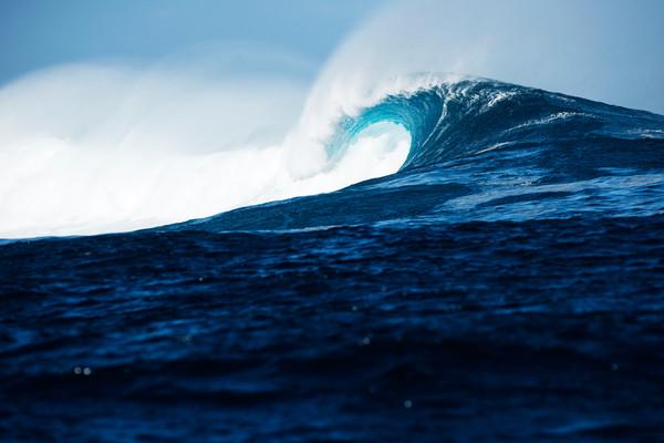 Cloudbreak Beauty, Fiji Surf Print by Brad Scott