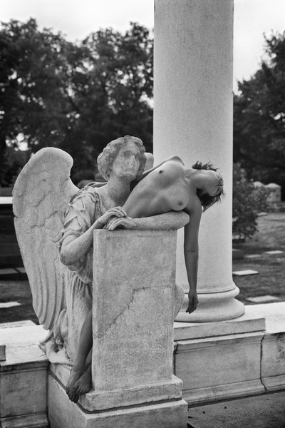 Melissa with Angel at Graceland Cemetery