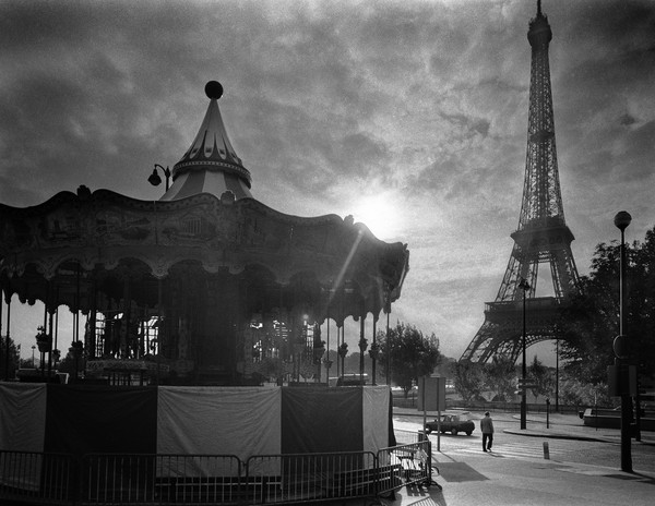 Carrousel et La Tour Eiffel,  Paris, France