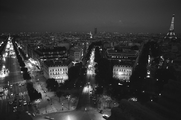 Avenue des Champs-Elysees et Tour Eiffel from top of Arc de Triomphe, Paris, France