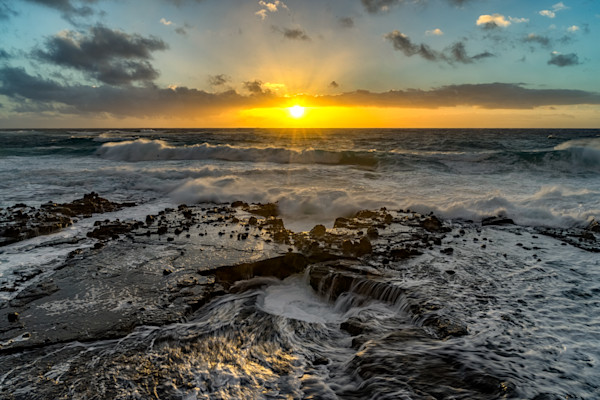 Hawaii Photography | Rocky Washing Machine by Peter Tang