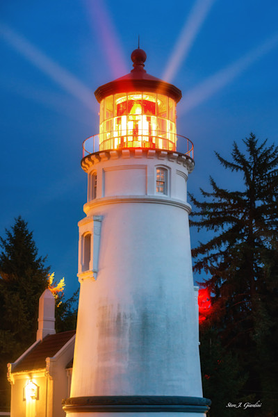 Umpqua River Lighthouse I (161591LND8-P) Oregon Lighthouse Steve J. Giardini