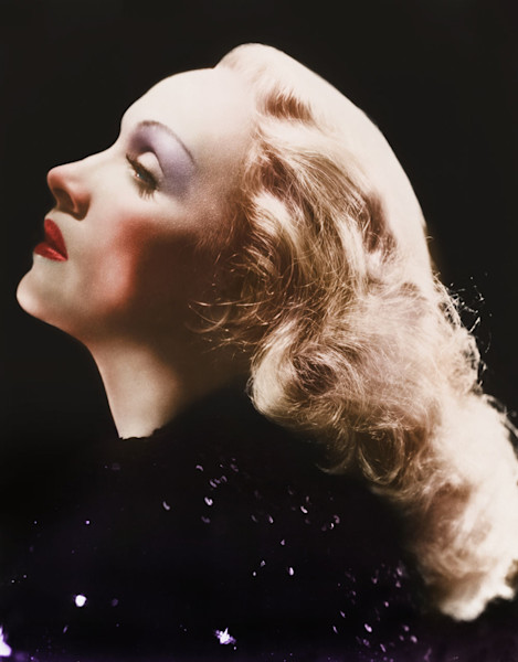 Marlene Dietrich posing in color