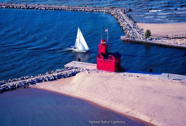 Holland Harbor Lighthouse - IMG 0044