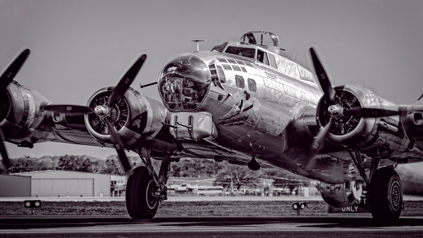 Monochrome B-17 Bombers Art Print on metal, canvas or paper, fleblanc