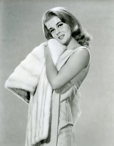 Original Vintage Press Print Ann Margret singer actress coat blanket