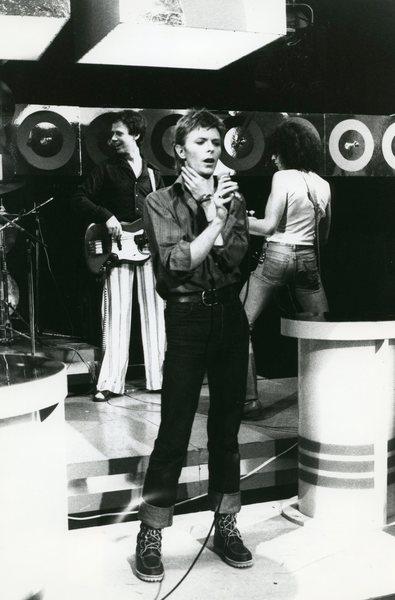Original Vintage Press Print David Bowie warming up