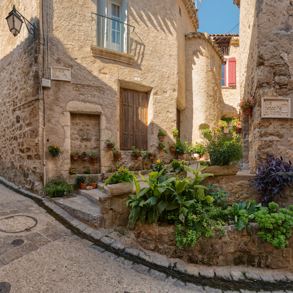 Strolling through an old #picturesque #village in the #south of #France just doesn't get much prettier! #SaintGuilhemLeDesert in the #Languedoc region is a great way to spend an #autumn afternoon.