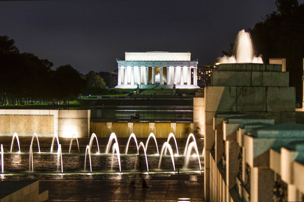 Lincoln Memorial At Night photograph for sale as art by Mike Jensen