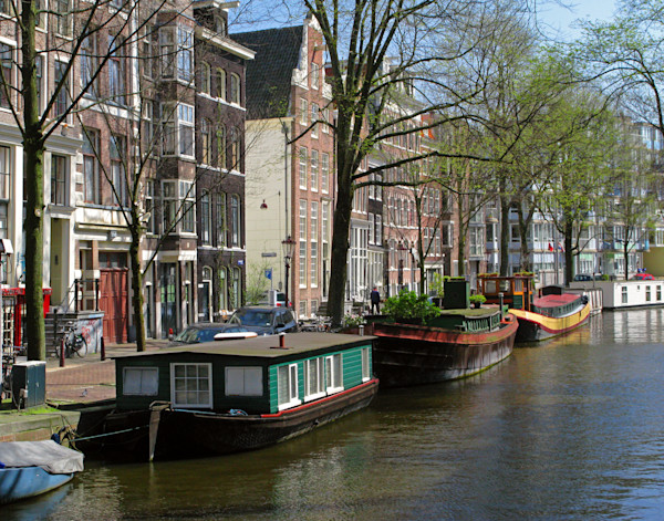 colorful houseboats Amsterdam