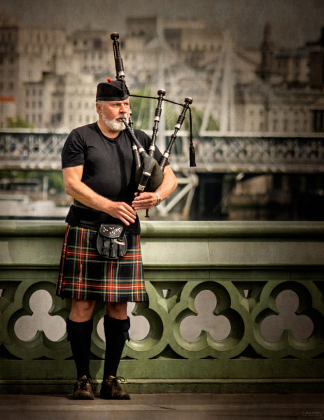 London Piper, d'Ellis Photographic Art photographs, Elsa