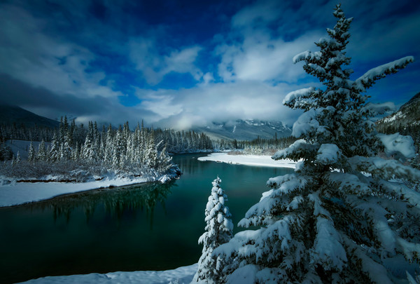 Bow River Spring snow. Banff National Park|Canadian Rockies|Rocky Mountains|