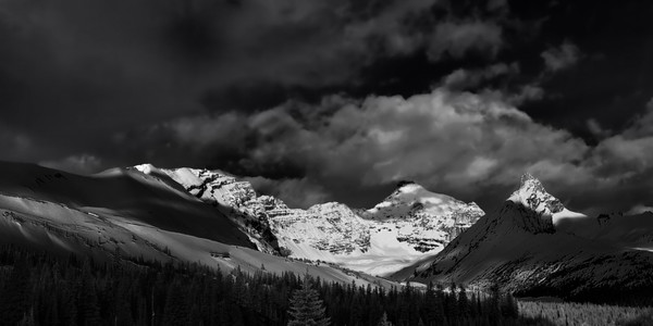 The Ice Fields say Welcome. Canadian Rockies|Banff National Park| Rocky Mountains|