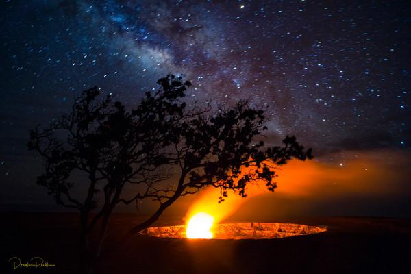 Photofraph, Milky Way, Halemaumau Crater, Kilauea Volcano, HVNP, Hawaii Volcanoes National Park, The Big Island of Hawaii