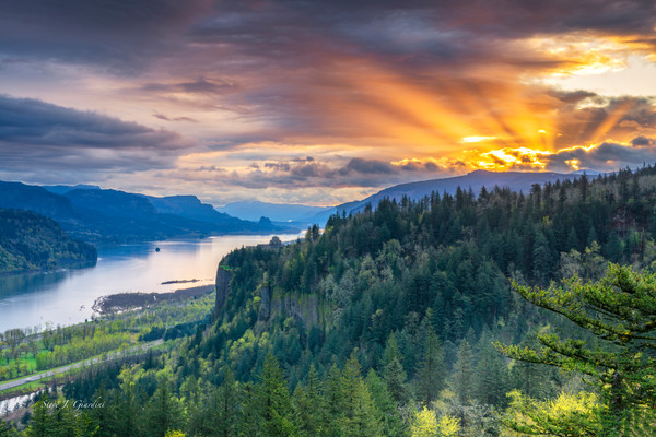 Columbia River Gorge Sunrise (171725LND8) Crown Point Fine Art Photograph for Sale as a Print