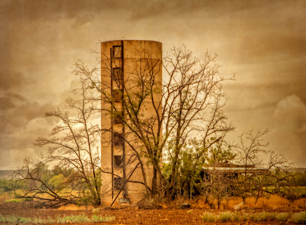 Fine Art Photographs, Abandoned Silo | d'Ellis PhotographicArt by Bill