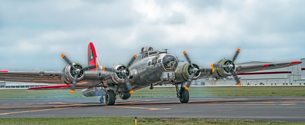 Art Photograph B-17 Flying Fortress Madras Maiden Landing fleblanc