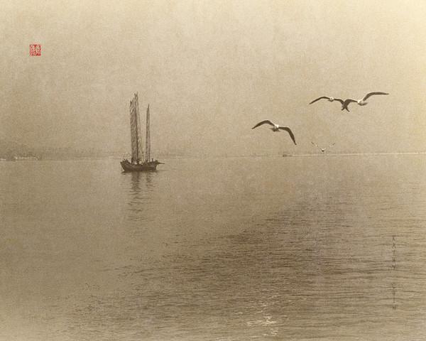 Fishing on Dienchi Lake