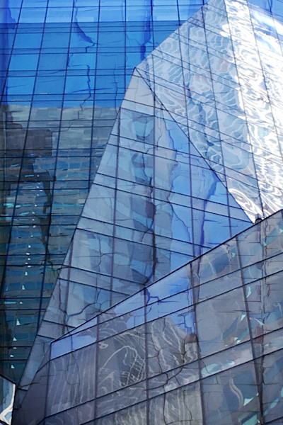 Cool NYC Midtown Building Window Reflection For Sale. Richard London