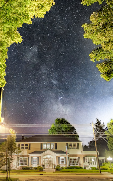 Milky Way & Pray Funeral Home