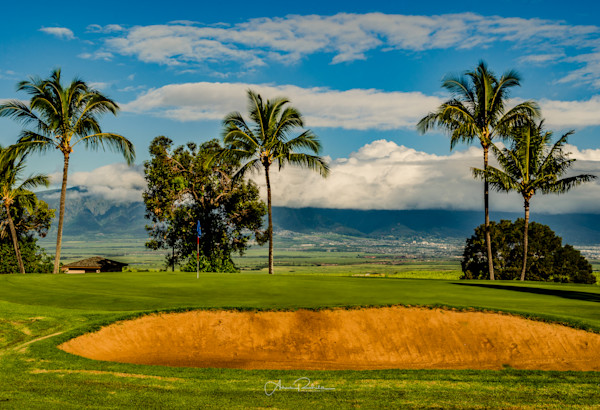 Sunrise on the golf course in Maui