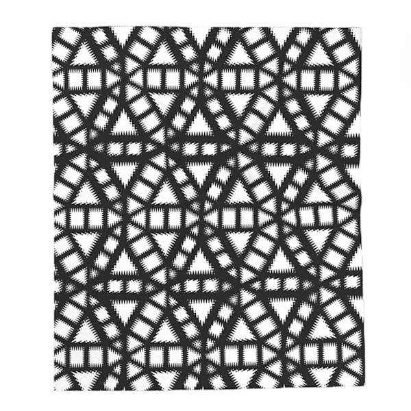 Black and White Pinwheel Pattern Decorative Throw Blanket